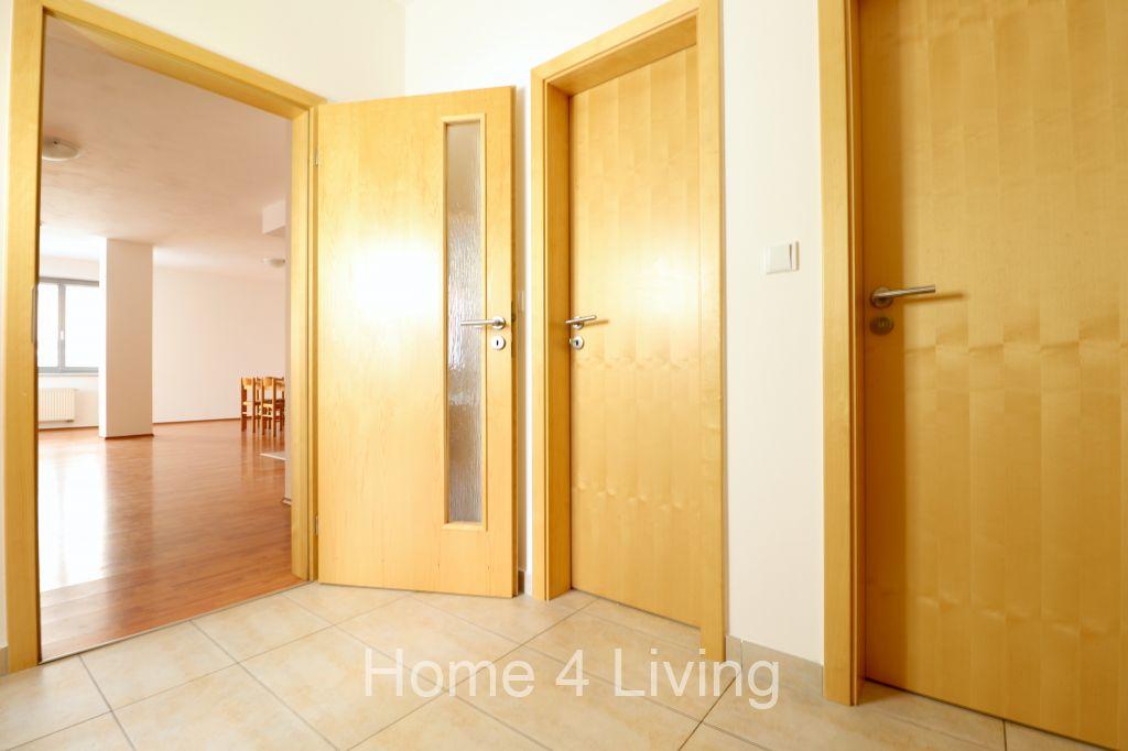 Prodej velice hezkého bytu 4+kk, Brno - Centrum, ul. Leitnerova, parkovací stání