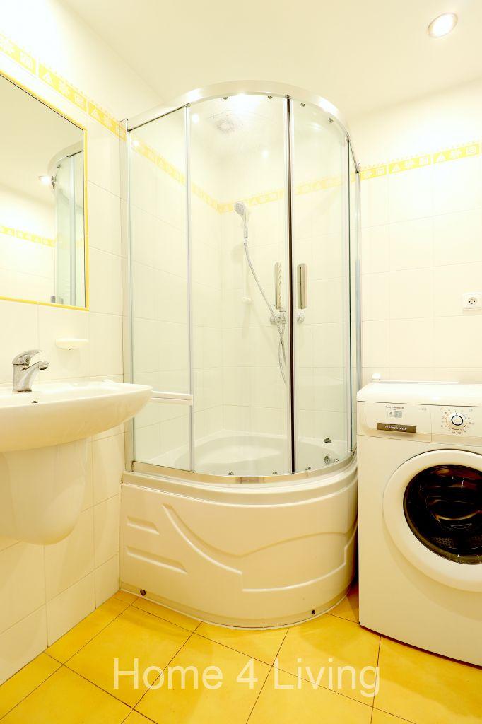 Pronájem slunného bytu 2+1, Brno - Žabovřesky, 2x lodžie, oddělená šatna, sprchový kout, parkety po rekonstrukci