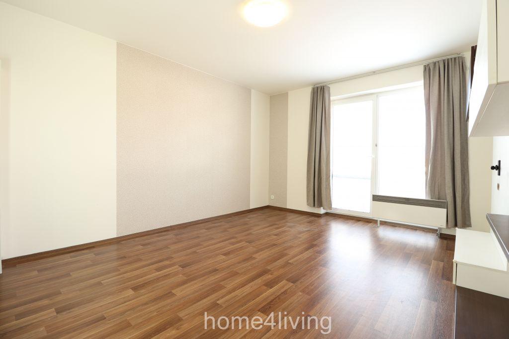 Pronájem velice hezkého, slunného bytu 2+kk, Brno - Slatina, ul. Za Kostelem, částečně zařízený, balkon, sklep