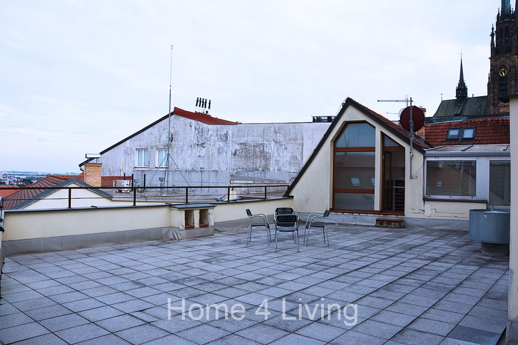 Pronájem bytu 2+kk, Brno-Centrum, kompletně moderně zařízený, terasa, ulice Peroutkova