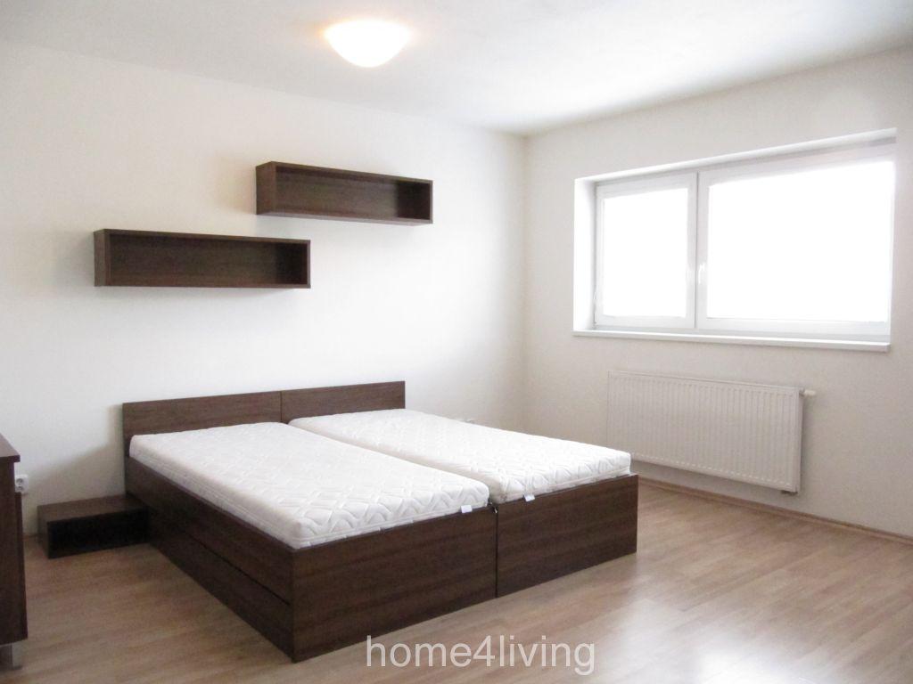 Pronájem luxusního bytu 1+kk, Brno - Židenice, ul. Gajdošova, kompletně zařízený, pračka, oddělená šatna