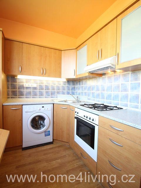 Pronájem hezkého bytu 3+1, Brno - Lesná, ul. Fillova, po rekonstrukci, klimatizece, částečně zařízený, nová kuchyňská linka, krásný výhled ze všech oken, komora