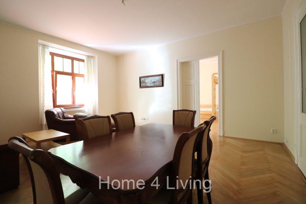 Pronájem bytu 3+1, historické centrum Brna, ul. Čápkova, pravidelný úklid v ceně
