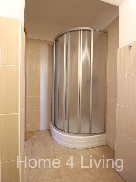 Pronájem pokoje s vlastní koupelnou, 18m2, bez příslušenství, Brno - Bohunice