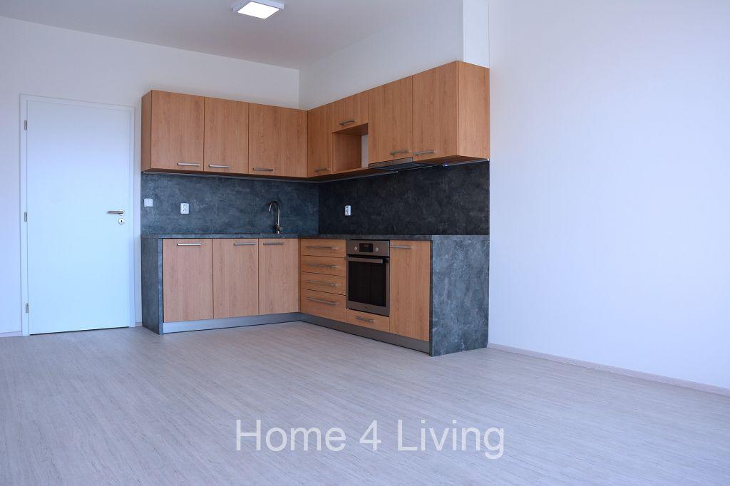 Pronájem bytu 2+kk, obec Střelice, v blízkosti Brna, novostavba, terasa, sklep, parkovací stání