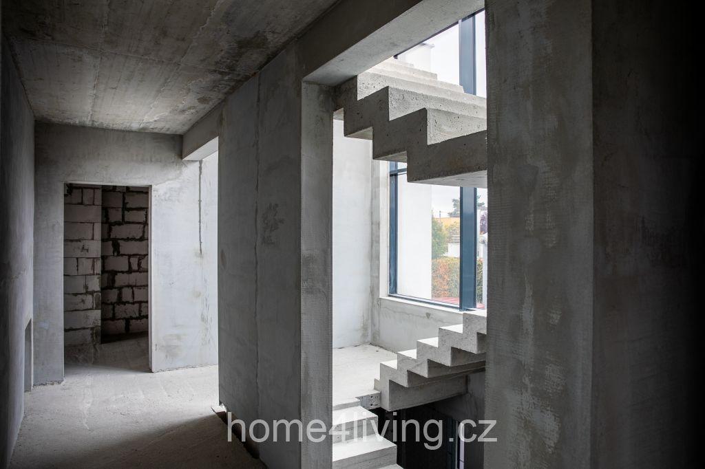 Prodej nadstandardního rodinného domu o výměře bezmála 600 m2, terasa na střeše domu