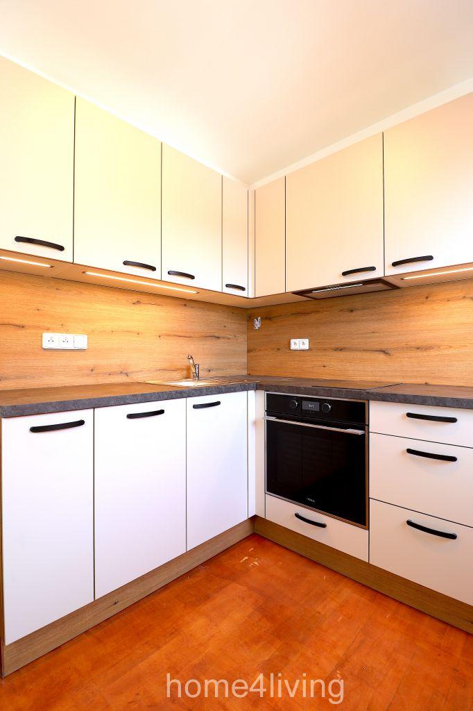 Pronájem hezkého atypického bytu 2+1, Brno - Centrum, ul. Minoritská, nová kuchyňská linka