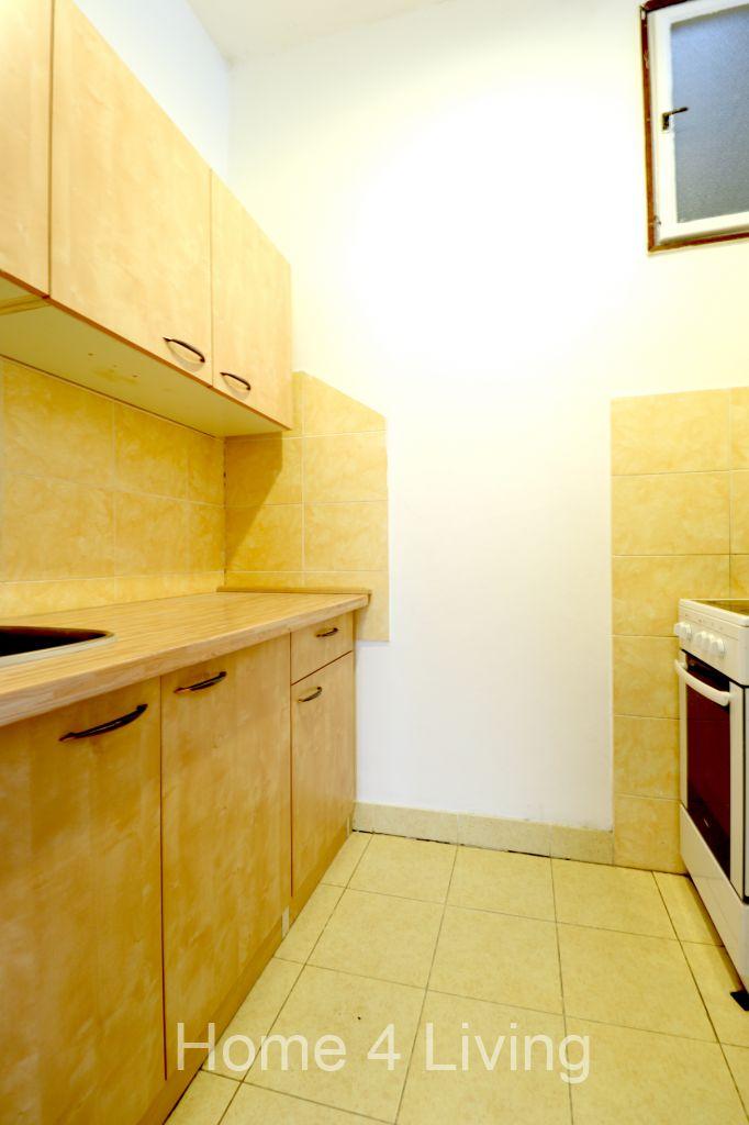 Pronájem bytu 1+1, Brno - Centrum, ul. Pekařská, byt do klidného vnitrobloku, balkon